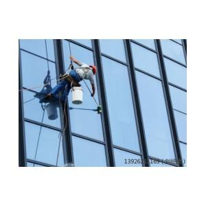 东莞专业玻璃幕墙安装厂家,超值的玻璃幕墙直销